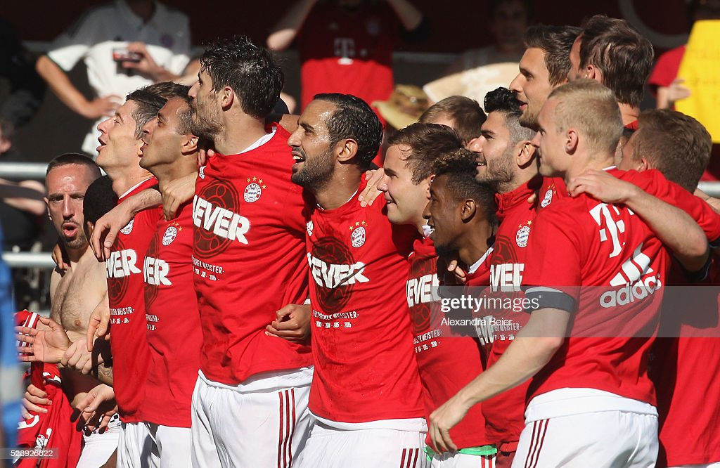 Players of Bayern Muenchen celebrate their German Championship title after the Bundesliga match between FC Bayern Muenchen and FC Ingolstadt at Audi Sportpark on May 7, 2016 in Ingolstadt, Germany.