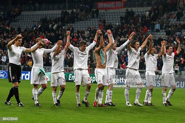 Players of Bayern Muenchen celebrate victory after the UEFA Champions League Group A match between FC Bayern Muenchen and Maccabi Haifa at Allianz...