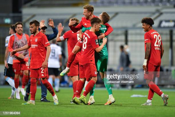 Players of Bayern Muenchen II celebrate after winning the 3. Liga match between Bayern Muenchen II and TSV 1860 Muenchen at Stadion an der...