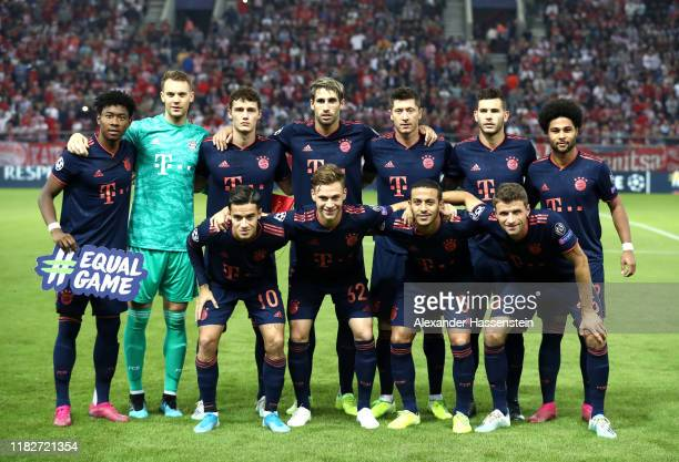 Players of Bayern Muenchen pose for a team photograph prior to the UEFA Champions League group B match between Olympiacos FC and Bayern Muenchen at...