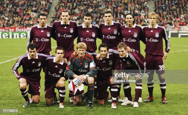Players of Bayern Munich line up for a team photo prior to the UEFA Champions League Group B match between Bayern Munich and Inter Milan at the...