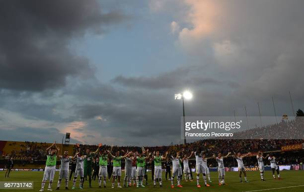 Players of Benevento Calcio celebrate the victory after the serie A match between Benevento Calcio and Genoa CFC at Stadio Ciro Vigorito on May 12...