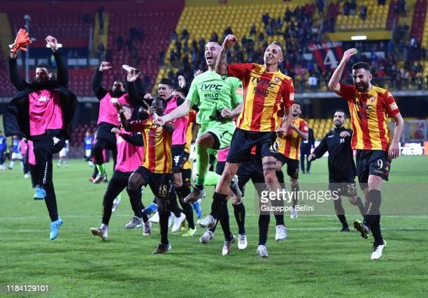 Players of Benevento Calcio celebrate the victory after the Serie B match between Benevento Calcio and Crotone FC at Stadio Ciro Vigorito on November...