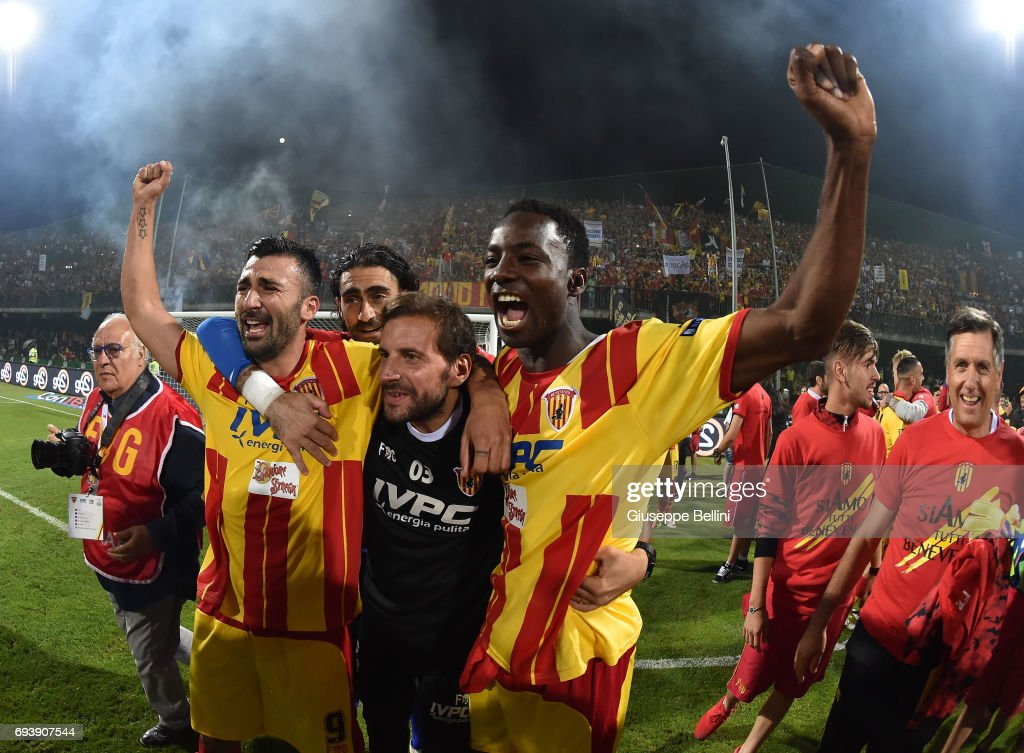 Players of Benevento Calcio celebrate the victory after the Serie B Play off Final match between Benevento Calcio and Carpi FC at Stadio Ciro Vigorito on June 8, 2017 in Benevento, Italy.
