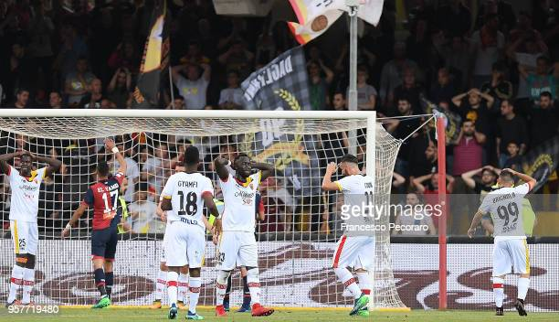 Players of Benevento Calcio stand disappointed during the serie A match between Benevento Calcio and Genoa CFC at Stadio Ciro Vigorito on May 12 2018...