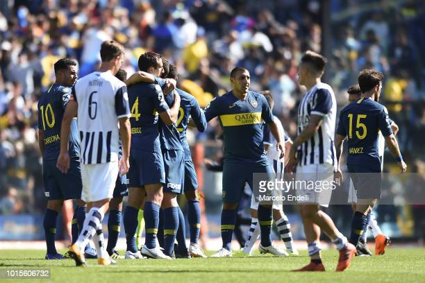 Players of Boca Juniors celebrates after winning a match between Boca Juniors and Talleres as part of Superliga Argentina 2018/19 at Estadio Alberto...