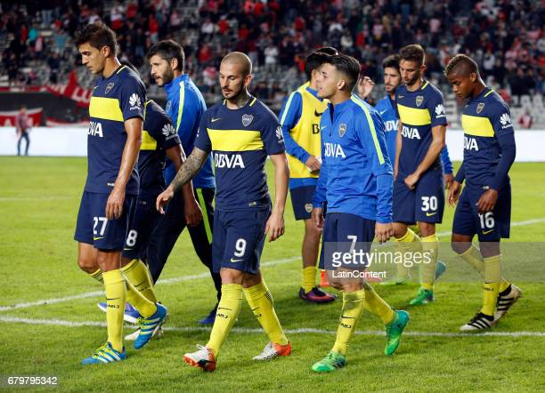 Players of Boca Juniors leave the field at the end of the match between Estudiantes and Boca Juniors as part of Torneo Primera Division 2016/17 at...