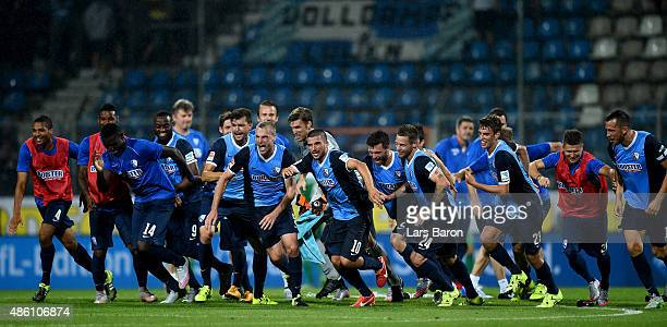 Players of Bochum celebrate after winning the Second Bundesliga match between VfL Bochum and 1860 Muenchen at Rewirpower Stadium on August 31 2015 in...
