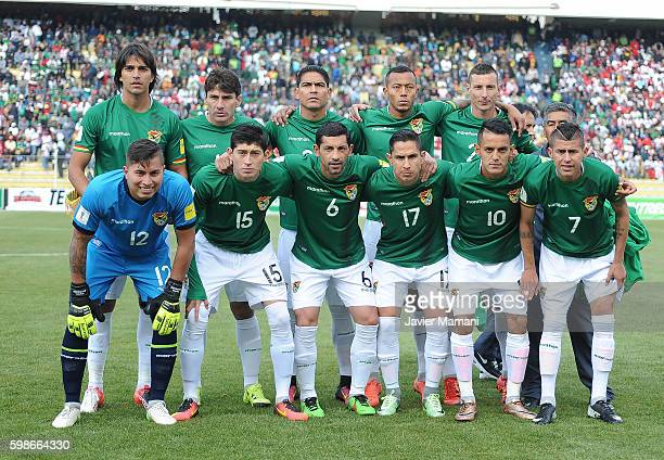 Players of Bolivia pose before a match between Bolivia and Peru as part of FIFA 2018 World Cup Qualifiers at Olimpico Hernando Siles Stadium on...