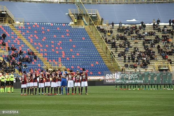 Players of Bologna FC and ACF Fiorentina line up for a moment of mourning for Azeglio Vicini former head coach of National Italian Football Team...