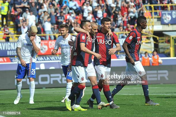 Players of Bologna FC celebrate after the goal during the Serie A match between Bologna FC and UC Sampdoria at Stadio Renato Dall'Ara on April 20...