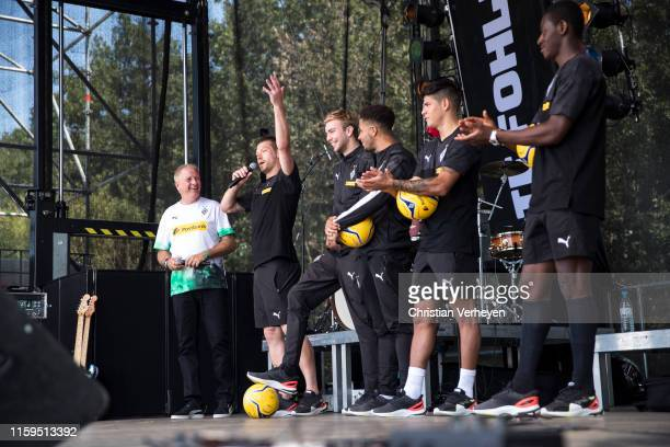 Players of Borussia Moenchengladbach talk to the Fans during the Season opening at BorussiaPark on August 04 2019 in Moenchengladbach Germany