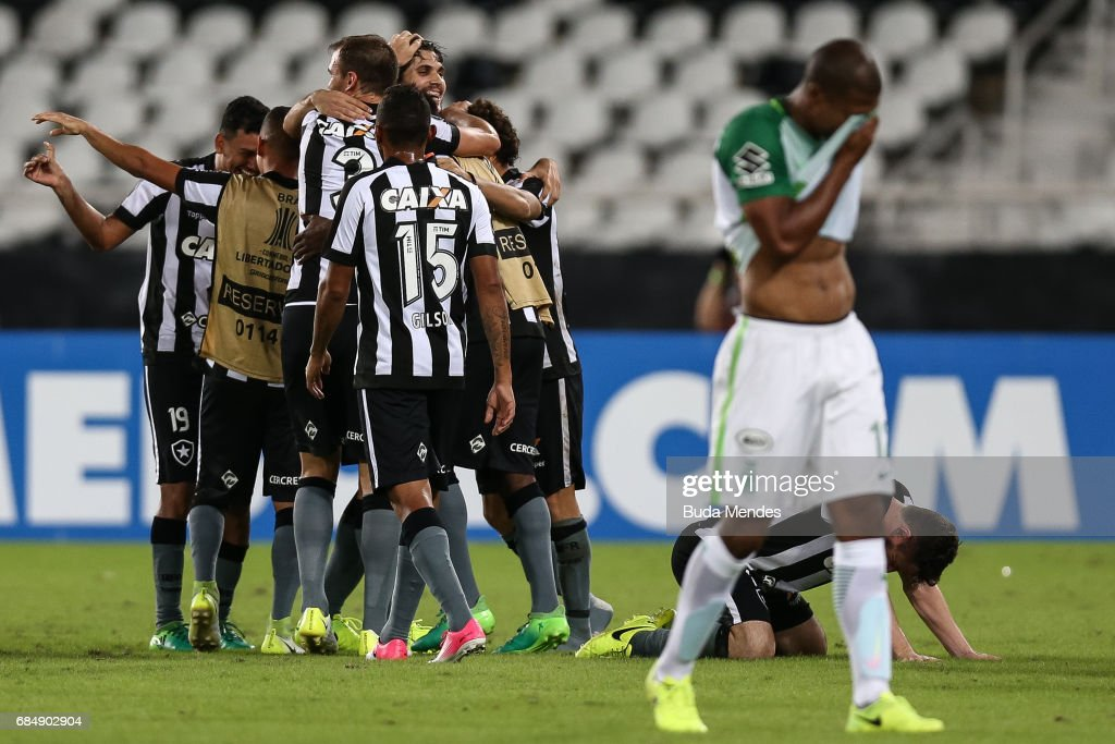 Players of Botafogo celebrates the victory against Atletico Nacional during a match between Botafogo and Atletico Nacional as part of Copa Bridgestone Libertadores 2017 at Nilton Santos Olympic Stadium on May 18, 2017 in Rio de Janeiro, Brazil.