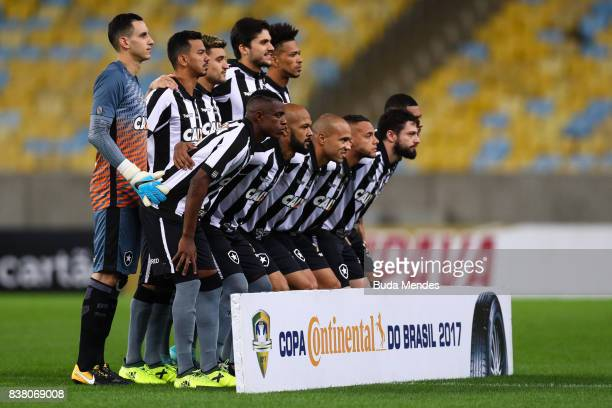 Players of Botafogo pose for photographers before a match between Flamengo and Botafogo part of Copa do Brasil SemiFinals 2017 at Maracana Stadium on...