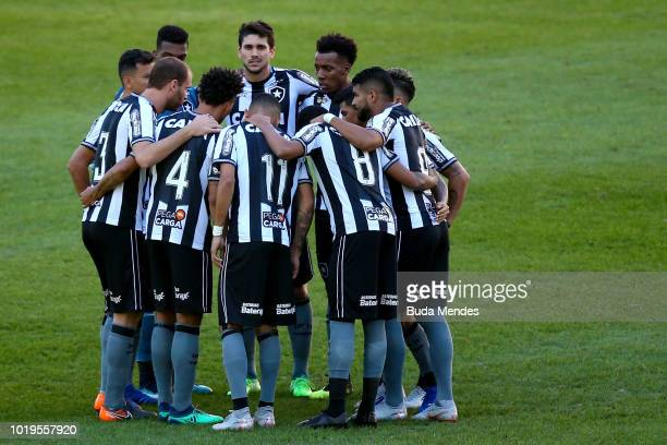 Players of Botafogo talk before a match between Botafogo and Atletico MG as part of Brasileirao Series A 2018 at Nilton Santos Stadium on August 19...