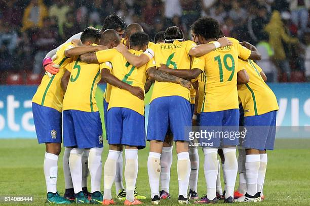Players of Brazil huddle before a match between Venezuela and Brazil as part of FIFA 2018 World Cup Qualifiers at Metropolitano Stadium on October 11...