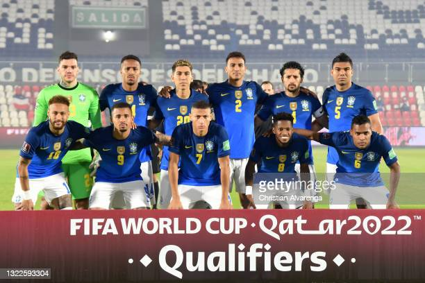 Players of Brazil pose before a match between Paraguay and Brazil as part of South American Qualifier for Qatar 2022 at Estadio Defensores del Chaco...