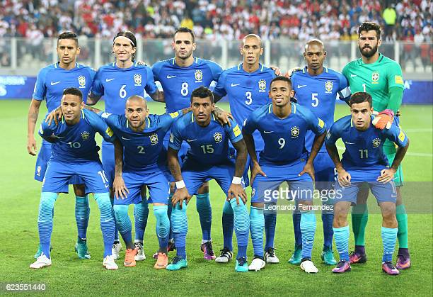 Players of Brazil pose for a team photo prior to a match between Peru and Brazil as part of FIFA 2018 World Cup Qualifiers at Nacional Stadium on...