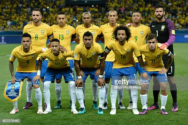 Players of Brazil pose for a team picture prior a match between Argentina and Brazil as part of FIFA 2018 World Cup Qualifiers at Mineirao Stadium on...