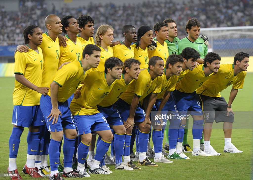 Players of Brazil pose for photos prior to the 2008 Beijing Olympic Games men's football bronze medal match Belgium vs Brazil at the Shanghai Stadium on August 22, 2008. Brazil defeated Belgium 3-0. AFP PHOTO/LIU Jin