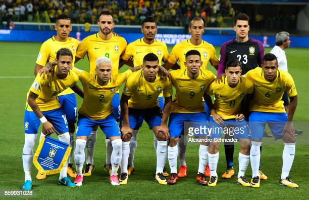 Players of Brazil pose for the official photo before the match between Brazil and Chile for the 2018 FIFA World Cup Russia Qualifier at Allianz...
