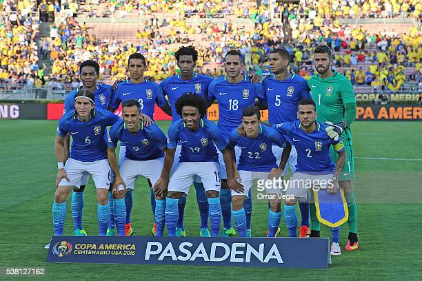 Players of Brazil pose prior a group B match between Brazil and Ecuador at Rose Bowl as part of Copa America Centenario US 2016 on June 04 2016 in...
