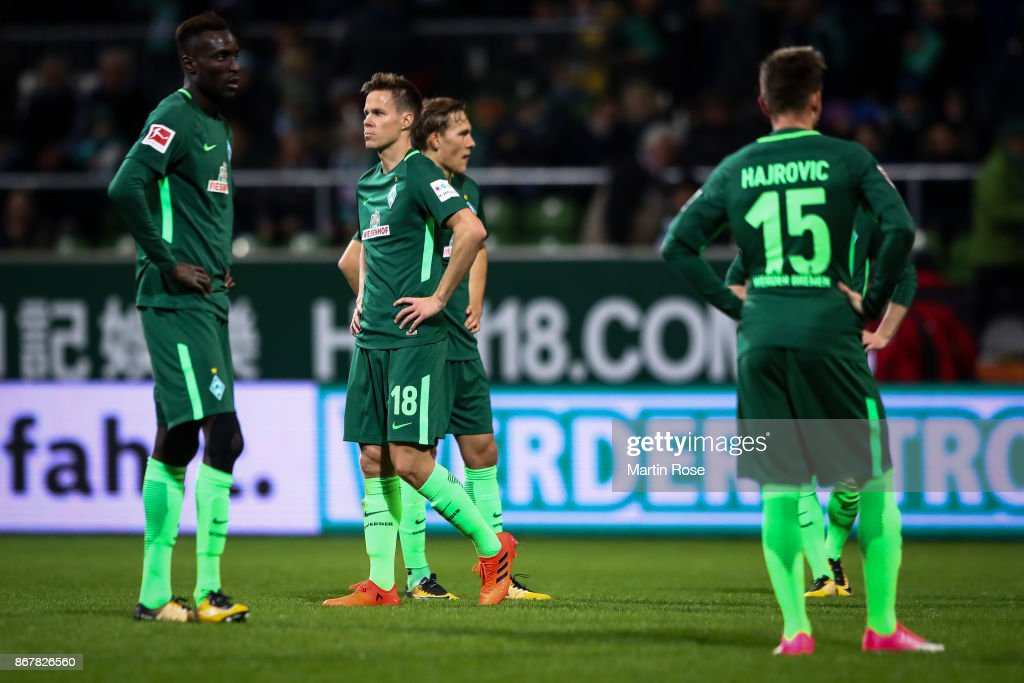 Players of Bremen react after the Bundesliga match between SV Werder Bremen and FC Augsburg at Weserstadion on October 29, 2017 in Bremen, Germany.
