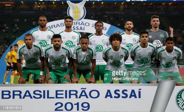 Players of Chapecoense pose for the team photo before a match between Palmeiras and Chapecoense for the Brasileirao Series A 2019 at Allianz Parque...