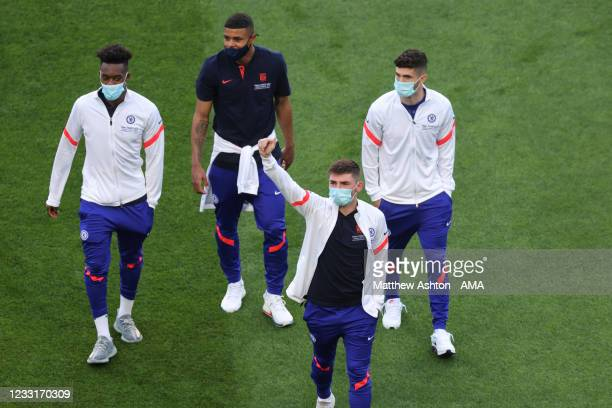 Players of Chelsea arrive ahead of the UEFA Champions League Final between Manchester City and Chelsea FC at Estadio do Dragao on May 29, 2021 in...
