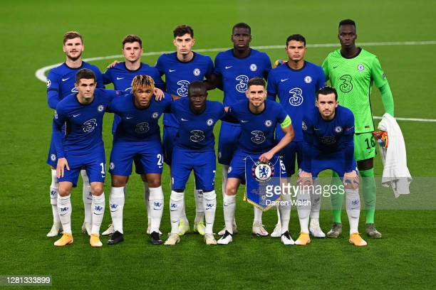 Players of Chelsea pose for a team photograph prior to the UEFA Champions League Group E stage match between Chelsea FC and FC Sevilla at Stamford...