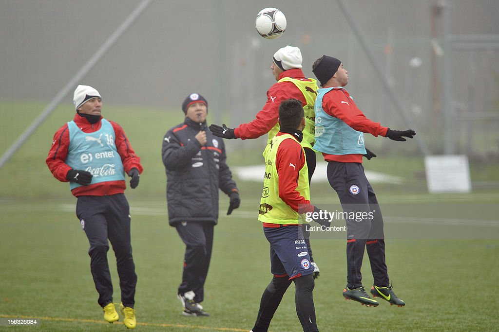 Players of Chile during the training session at Spiserwies stadium November 13, 2012 in Sait Gallen, Switzerland. Chile will play a friendly match against Serbia on November 14th.