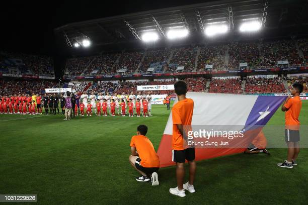 Players of Chile line up prior to the International friendly match between South Korea and Chile at Suwon World Cup Stadium on September 11 2018 in...