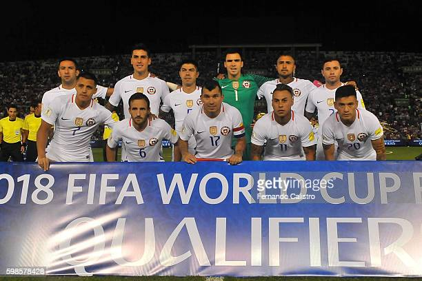 Players of Chile pose for a team photo prior a match between Paraguay and Chile as part of FIFA 2018 World Cup Qualifiers at Defensores del Chaco...