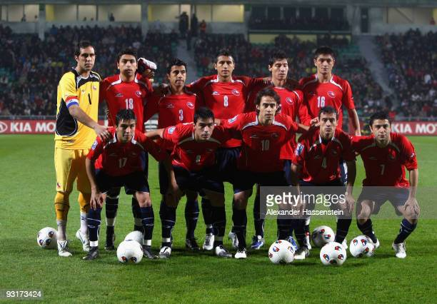 7cf9ea99e5 Players of Chile pose for the lineup prior the international friendly match  between Slovakia and Chile