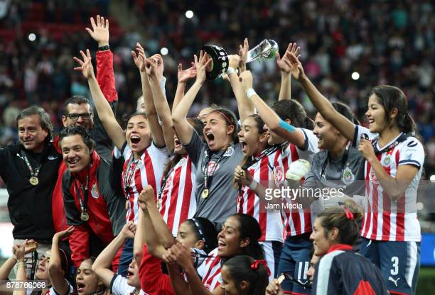 Players of Chivas celebrate after winning the Final match between Chivas and Pachuca as part of the Torneo Apertura 2017 Liga MX Femenil at Chivas...