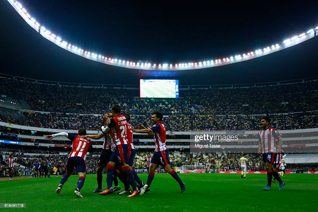 America v Chivas - Copa MX Apertura 2016 : News Photo