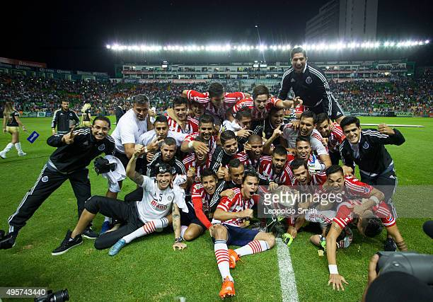 Players of Chivas celebrate their victory in the Final match between Leon and Chivas as part of the Copa MX Apertura 2015 at Leon Stadium on November...