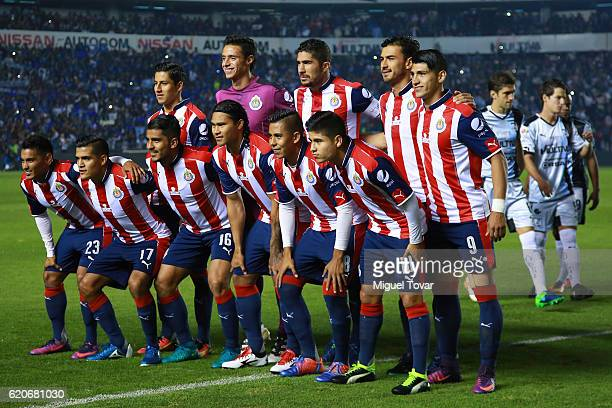 Players of Chivas pose for pictures prior to the final match between Queretaro and Chivas as part of the Copa MX Apertura 2016 at La Corregidora...