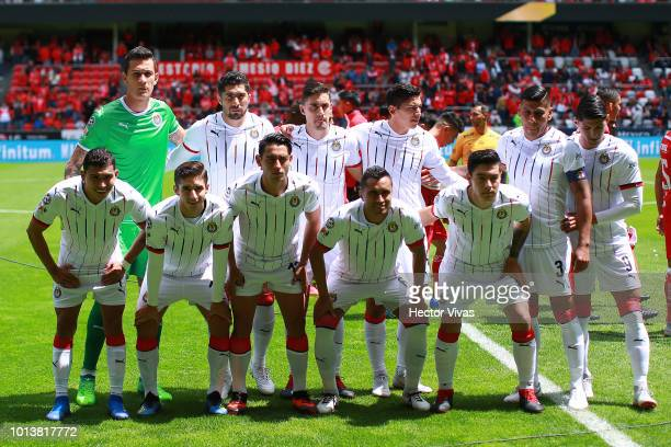 Players of Chivas pose prior the third round match between Toluca and Chivas as part of the Torneo Apertura 2018 Liga MX at Nemesio Diez Stadium on...