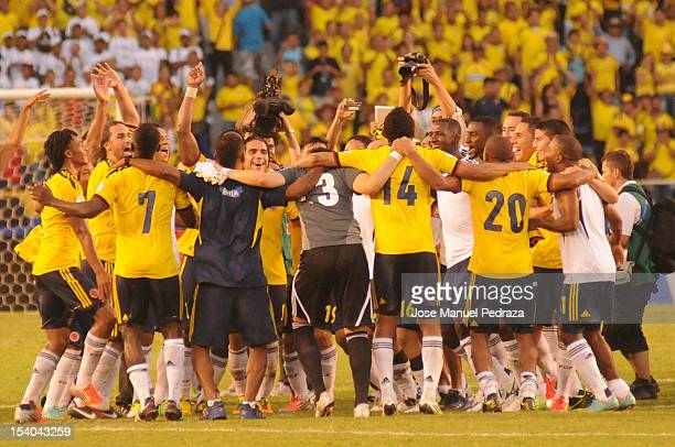 Players of Colombia celebrate the victory of colombia as part of the South American Qualifiers for the FIFA Brazil 2014 World Cup at the Estadio...