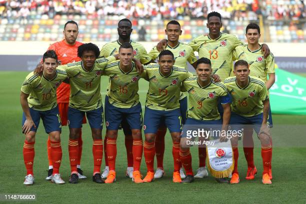 Players of Colombia pose prior a friendly match between Peru and Colombia at Estadio Monumental on June 9, 2019 in Lima, Peru.
