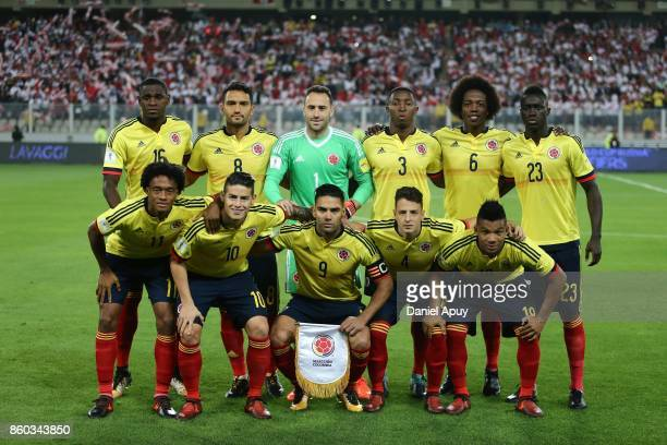 Players of Colombia pose prior to a match between Peru and Colombia as part of FIFA 2018 World Cup Qualifiers at Monumental Stadium on October 10...