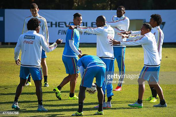 Players of Colombia warm up during a training session at San Carlos de Apoquindo training camp on June 13 2015 in Santiago Chile Colombia will face...