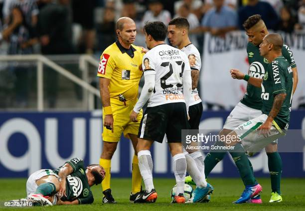 Players of Corinthians and of Chapecoense in action during the match between Corinthians and Chapecoense for the Brasileirao Series A 2017 at Arena...