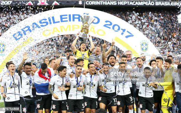 Players of Corinthians celebrate after winning the Brasileirao 2017 during the winning cerimony after the match against Atletico MG for the...