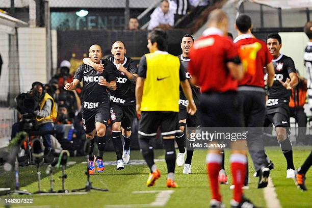 Players of Corinthians celebrates a goal against Santos during a match between Santos and Corinthians as part of the semifinal of Copa Libertadores...