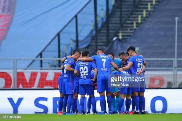 Players of Cruz Azul huddle prior the 14th round match between Cruz Azul and Chivas as part of the Torneo Guard1anes 2021 Liga MX at Azteca Stadium...