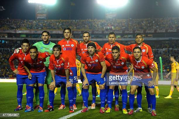Players of Cruz Azul pose for a photo prior to a match between Tigres UANL and Cruz Azul as part of the 10th round Clausura 2014 Liga MX at...