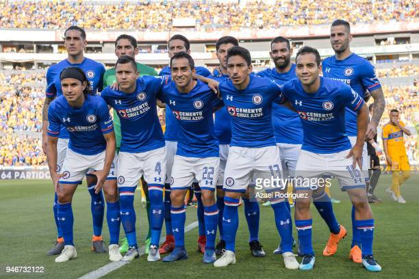 Players of Cruz Azul pose prior the 15th round match between Tigres UANL and Cruz Azul as part of the Torneo Clausura 2018 Liga MX at Universitario...