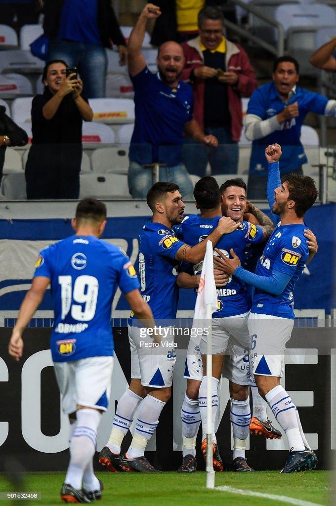 Cruzeiro v Racing Club - Copa CONMEBOL Libertadores 2018